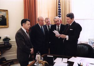Reagan meets with aides on Iran-Contra.jpg