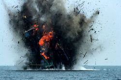 Indonesia explodes 23 foreign fishing boats 2016-04-05.JPG