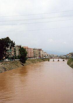 نهر العاصي ينساب خلال أنطاكية