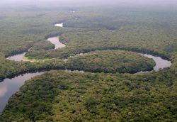 La rivière Lulilaka, parc national de Salonga, 2005.jpg