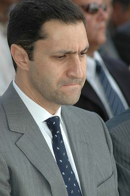 كيف حول علاء مبارك أحزانه إلى مشروع الأجيال 260px-Alaa_Mubarak.jpg
