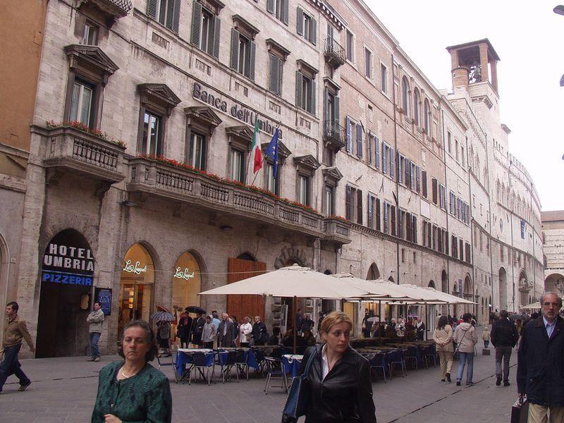 ۩•♥[.*ღزيوريخ--من اجمل مدن العالمღ *.]♥•۩ ع.ت.م امريكا 800px-Perugia_Corso_Vannucci