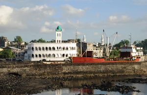 City Centre of Moroni, Capital of the Comores, with Central Mosque and Harbor Bay. Photo by Sascha Grabow.