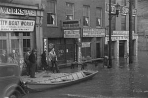 Picture showing part of Louisville during a flood that occurred in 1937