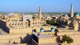 View from the city walls, Khiva (4934484894).jpg