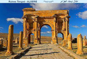 أعرف بلدك / الجزائــــــر Thumb.php?f=Roman_Arch_of_Trajan_at_Thamugadi_%28Timgad%29%2C_Algeria_04966r
